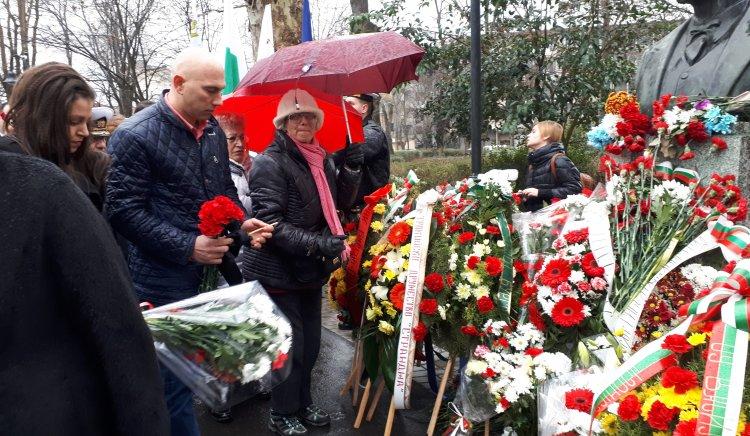 БСП – Бургас отдаде почит на Васил Левски
