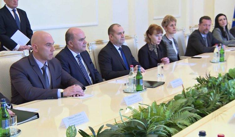 Николай Тишев бе на официално посещение в Армения заедно с президента Румен Радев