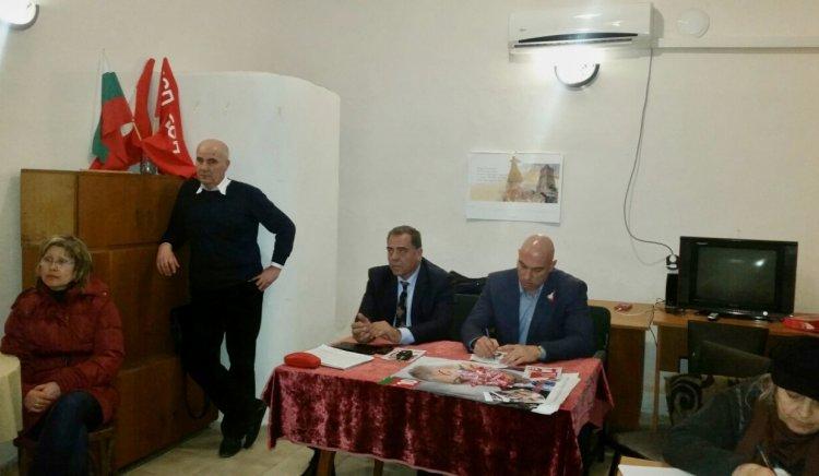 Бургаски социалисти запознаха жителите на кв.