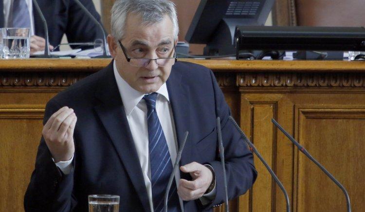Емил Райнов: Бюджетът на Здравната каса е провал на управляващите и конкретно на здравното министерство